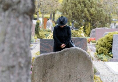 How Do You Survive Financially after Death of Spouse?